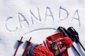 "Palavra ""Canadá"" escrita na neve."